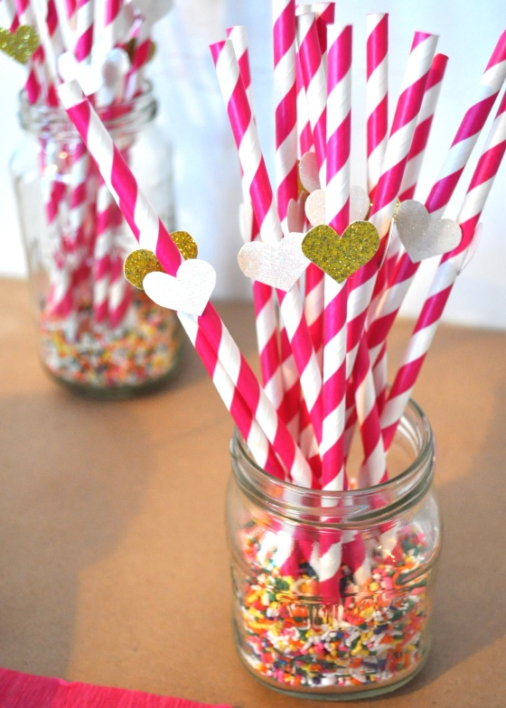 I placed the straws in mason jars with sprinkles for an extra touch of cuteness. : )